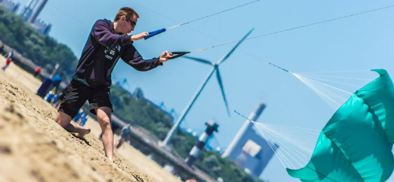 BeachBrancheBarbecue: Volleybal, Powerkiten & Archery Shoot outs